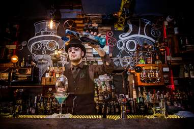 Joben Bistro steampunk bar