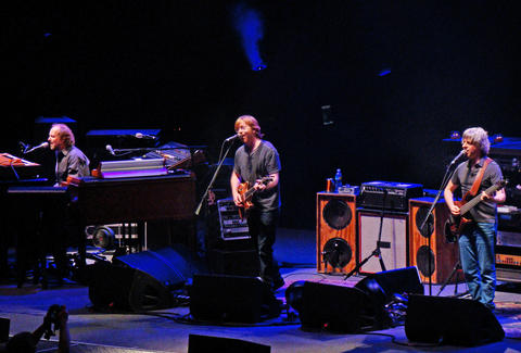 Phish To Play 13 Show Baker S Dozen At Nyc S Madison Square Garden