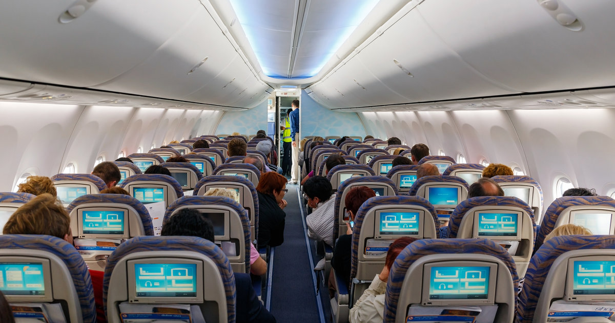 How to Recover From a Long-Ass Flight, According to Flight Attendants