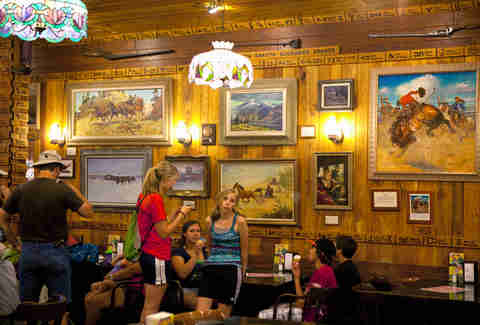 the most famous restaurants in every state in the usa thrillist. Black Bedroom Furniture Sets. Home Design Ideas