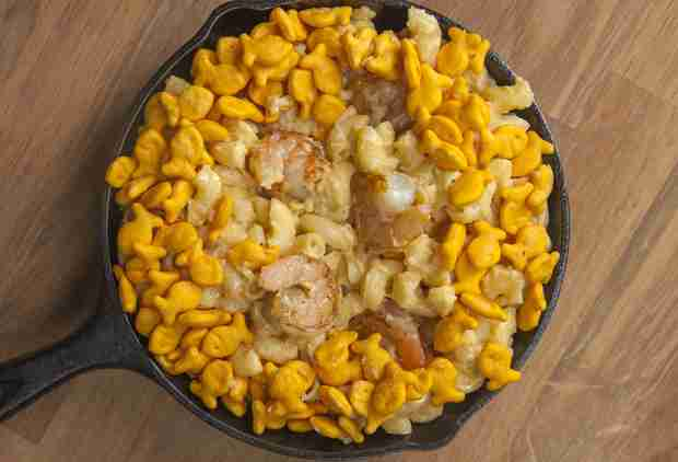 Goldfish-Topped Mac & Cheese Is What You'll Want for Dinner Every Night