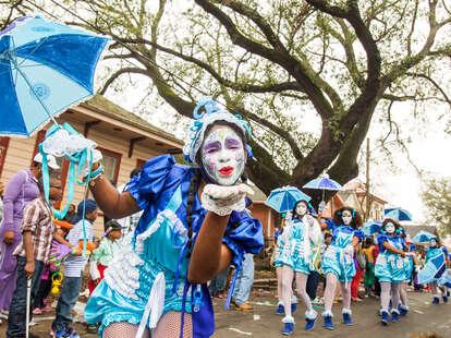 new orleans dance team during mardi gras