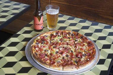 Archie's Bar & Pizza