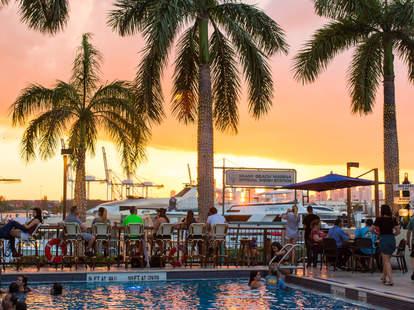 Monty's Sunset Bar