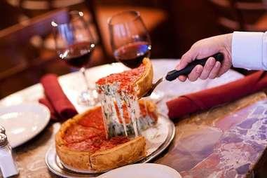 bella bacinos deep dish pizza