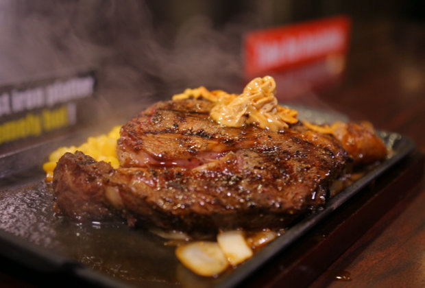This Seatless Japanese Steakhouse is Taking New York by Storm