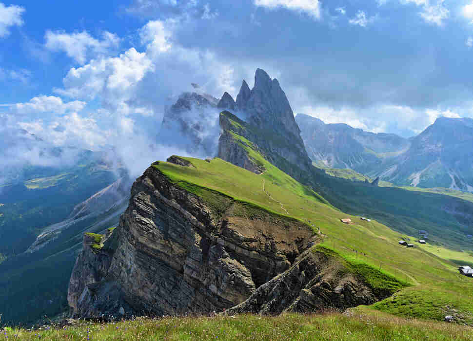 Best Views, Towns & Things to Do in the Italian Alps Mountains ...