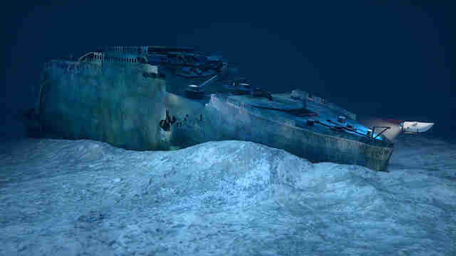 titanic wreckage tour