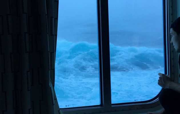 Watch Big Waves Hit a Cruise Ship