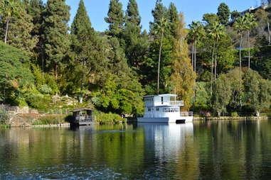 lake shrine temple
