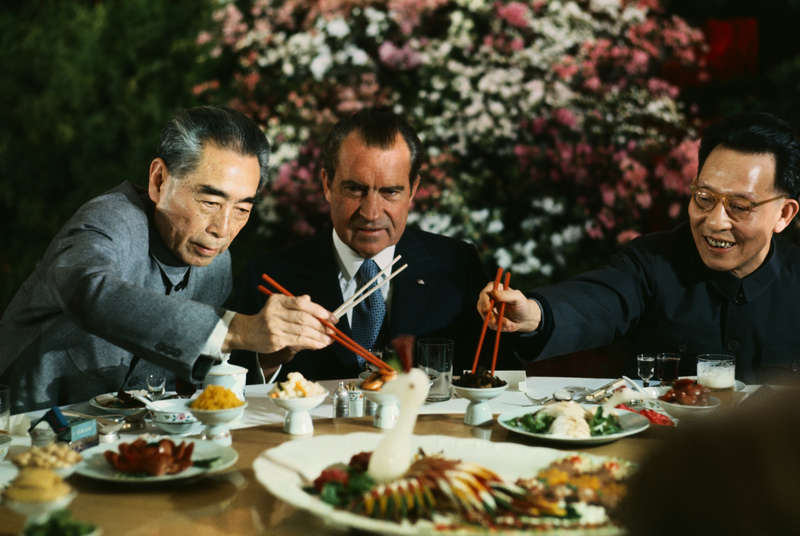 Nixon eating Chinese food