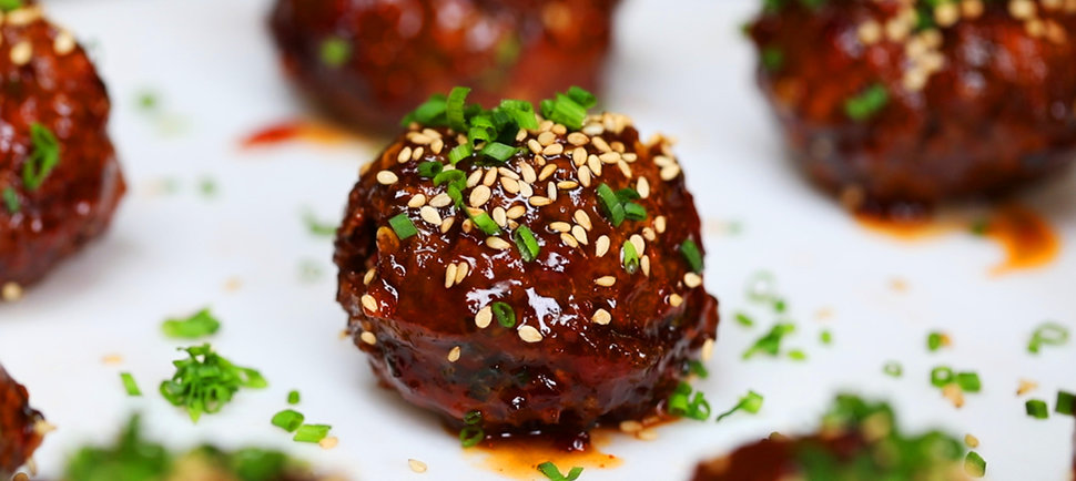 Spice Up Your Dinner With These Korean-Style Meatballs