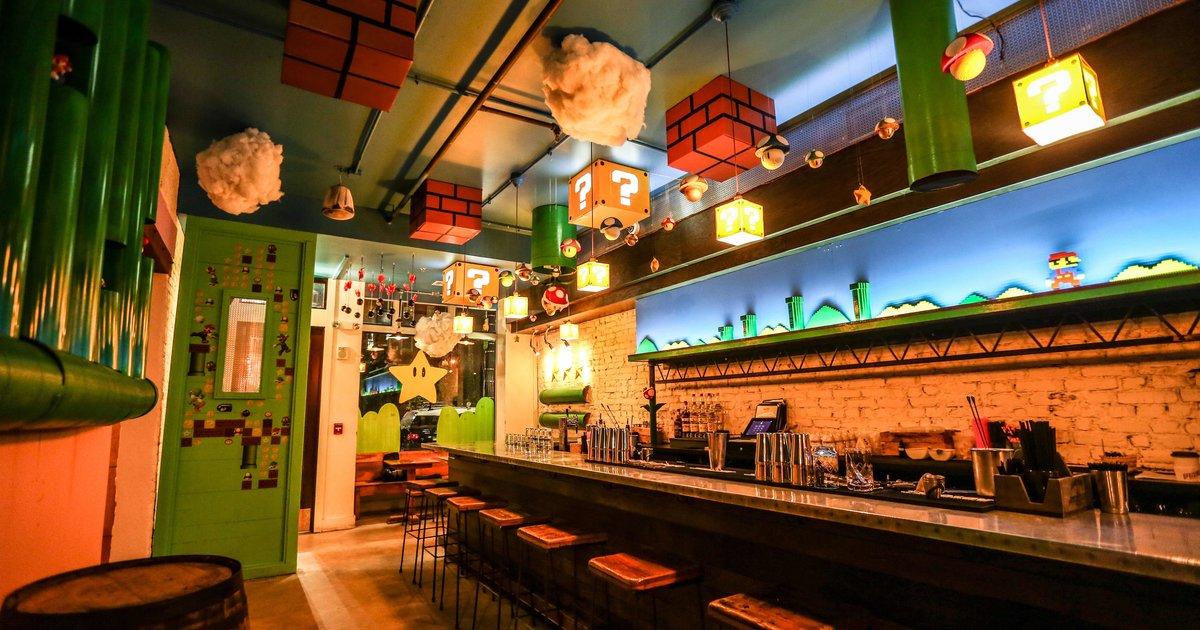 Super mario bros bar cherry blossom pub is attracting big crowds in dc thrillist - Decoracion de bares tematicos ...