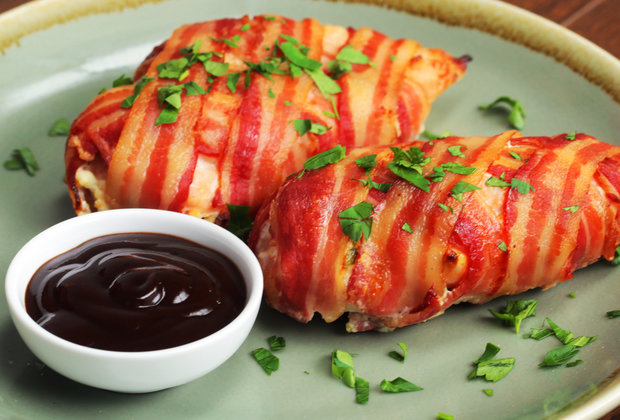 You Will Want to Make These Bacon-Wrapped Jalapeño Chicken Poppers Immediately