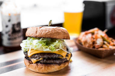 artisan meat share burger