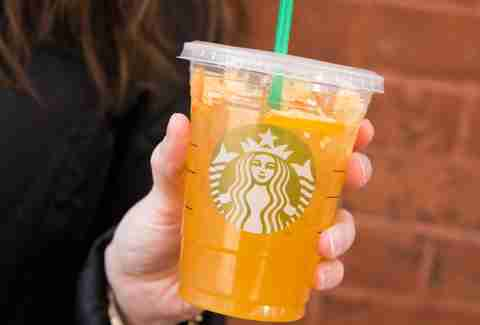 Iced Peach Green Tea Lemonade