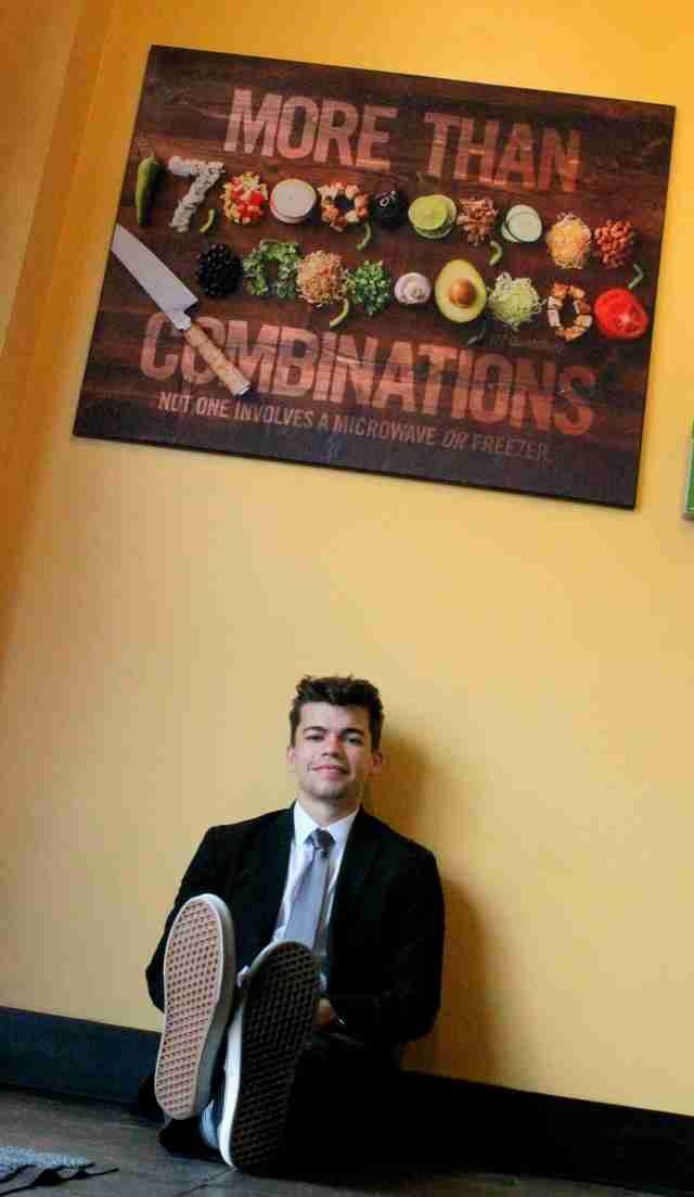 Senior Photos at Moe's