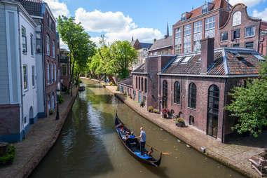 gondola ride amsterdam