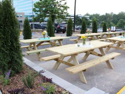 Picnic tables at the Atlanta Food Truck Park