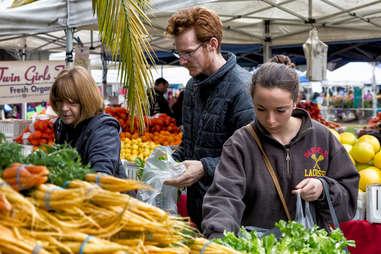 oakland grand lake farmers market