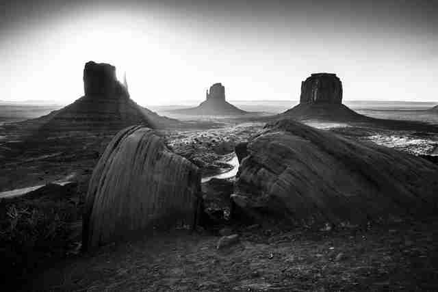 9183-Monument Valley-Arizona, USA 2014 © Laurent Baheux