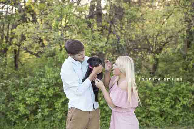 Puppy photoshoot with owners