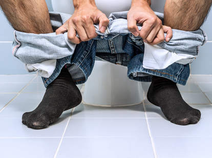 How long should it take to poop