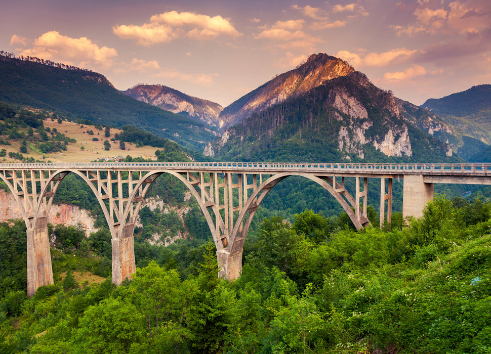 THE WORLD'S MOST EPIC (AND CHEAP!) TRAIN JOURNEYS
