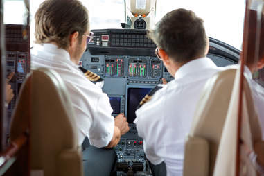 questions about flying answered by a pilot