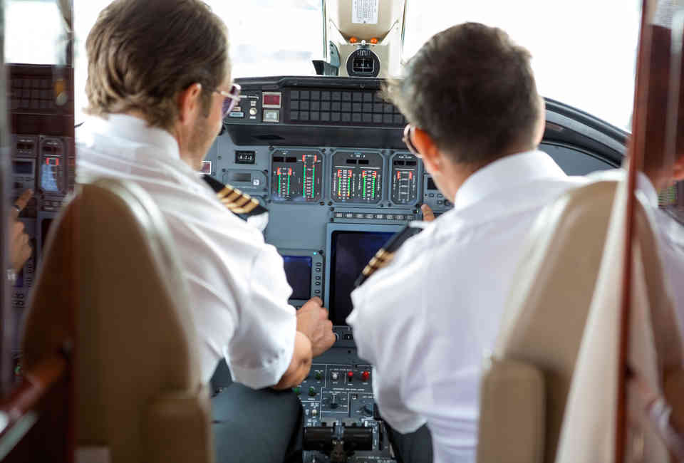 How to Fly: A Commercial Pilot Answers All of Your Flying