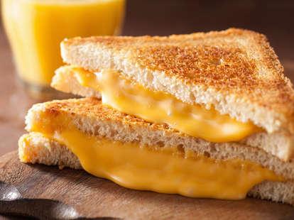 What's in kraft cheese singles