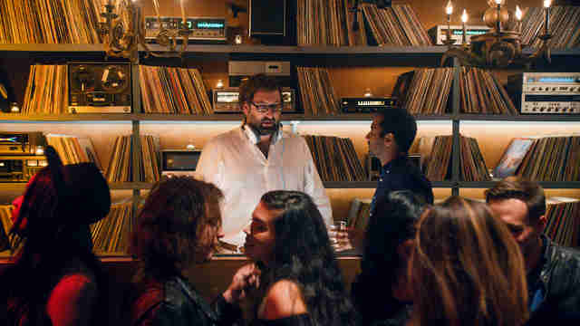 master of none season 2 soundtrack songs music moments explained thrillist. Black Bedroom Furniture Sets. Home Design Ideas