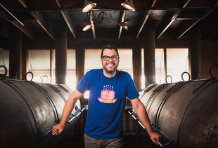 BBQ Legend Aaron Franklin on Backyard Cookouts, Bad Brisket, and Long Lines