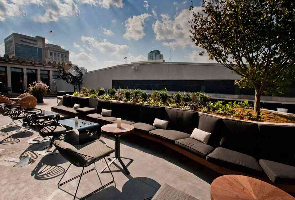 Best Rooftop Bars in Philadelphia: Philly Bars With a View