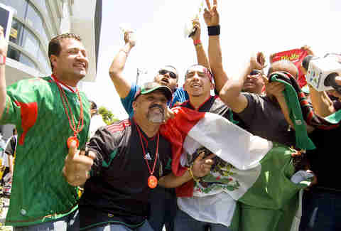 Mexico soccer fans - US - Supercall