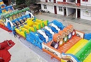 Bandit Steals 180-ft Inflatable Obstacle Course, Will Probably Throw Cool Party