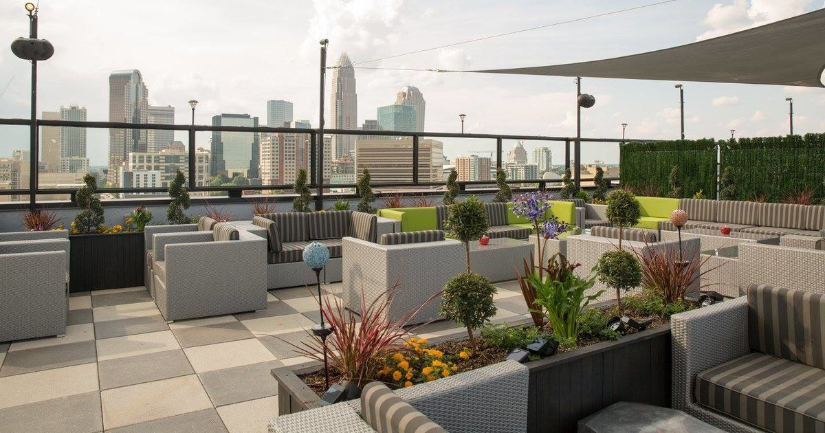 Best Rooftop Bars In Charlotte Nc For Summer Drinking