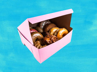 why doughnuts have pink boxes