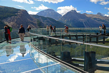 GLACIER GLASS WALK ICE BRIDGE