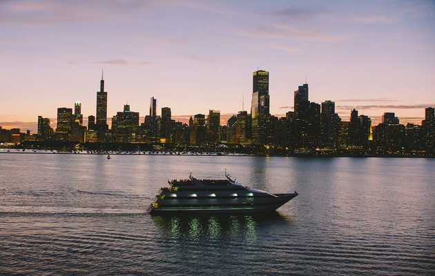The Best Chicago Booze Cruises for All Types of Boaters