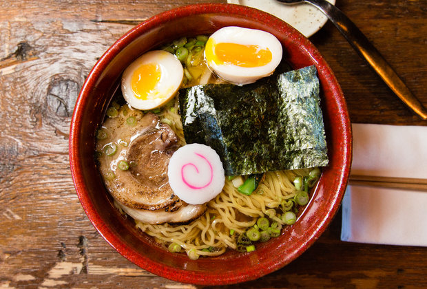 6 NYC Neighborhoods Worth a Visit for the Food