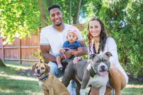 Logan Ryan with family