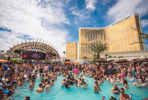 Everything You Must Do In Las Vegas This Summer