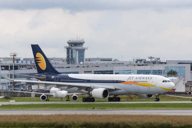 jet airways plane