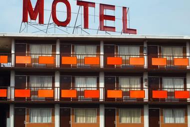 Very Creepy Old Motel