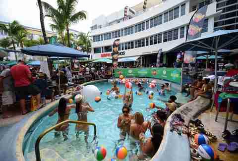 Best Pool Parties in Miami, Florida This Summer - Thrillist