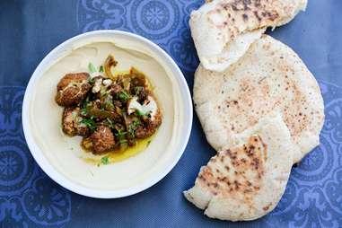 Shaya - Pita and hummus