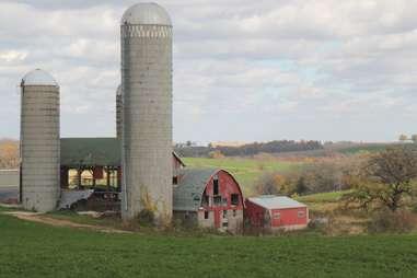Mount Horeb - barn on Hwy 78