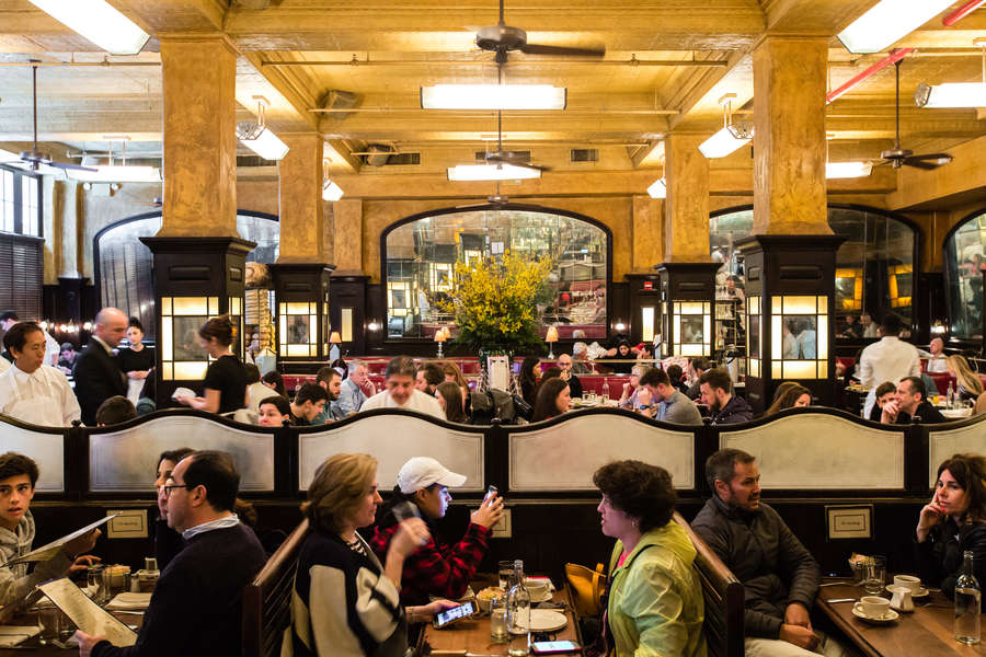 most famous nyc restaurants iconic places to eat in new