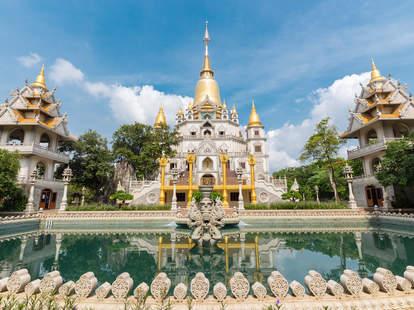cheap flights to Vietnam